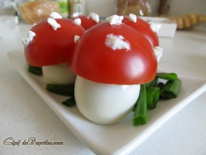 Mushroom-Shaped-Deviled-Eggs-08-1024x768[1]